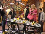 Alice in Wonderland - 2 Broke Girls