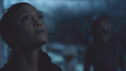 Maeve Looks to the Sky - Westworld Season 2 Episode 3
