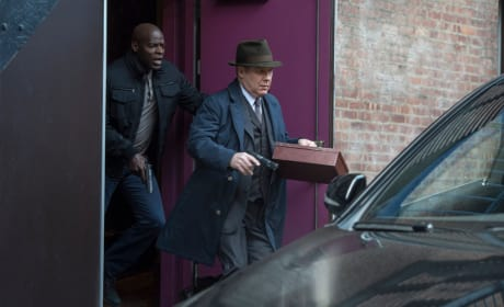 Red and Dembe on the run - The Blacklist Season 4 Episode 21