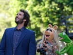 Josh Groban and Miss Piggy - The Muppets