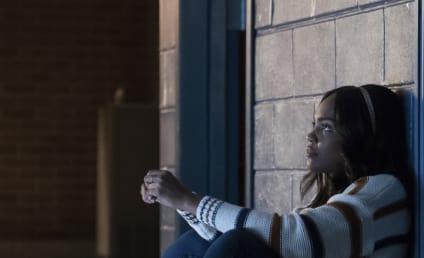 Watch Black Lightning Online: Season 2 Episode 5