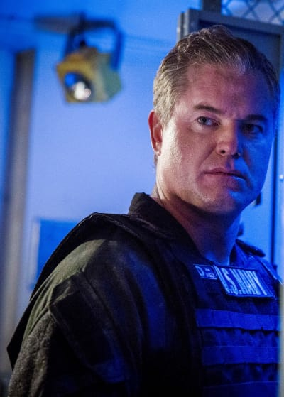 Up Against a Wall - The Last Ship Season 5 Episode 8
