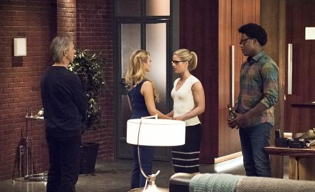 Family reunion - Arrow Season 4 Episode 22