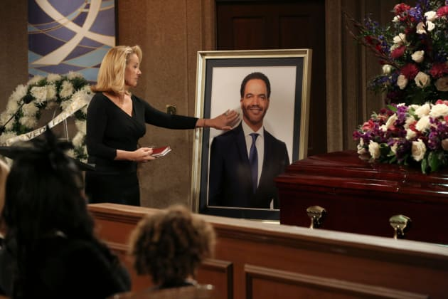 Nikki Says Goodbye - The Young and the Restless