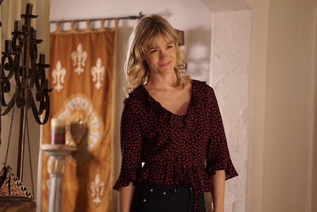 Melissa awkwardly bonds - The Last Man on Earth Season 4 Episode 14
