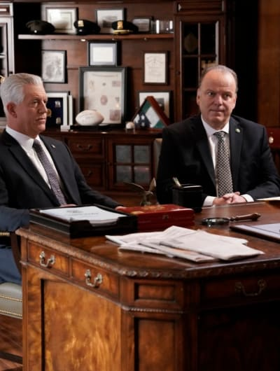 Meeting With His Advisors - Blue Bloods Season 9 Episode 17