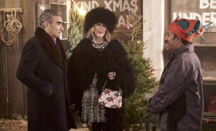 Schitt's Creek Promo: Can Johnny Save Christmas?