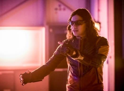 Cisco Has a Plan! - The Flash Season 4 Episode 15
