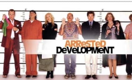 Arrested Development Cast Reunites, Previews Unique Season 4