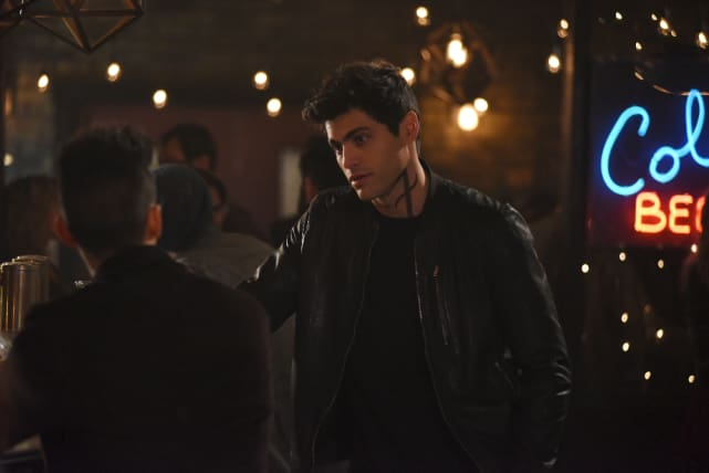 Second Thoughts? - Shadowhunters Season 2 Episode 6
