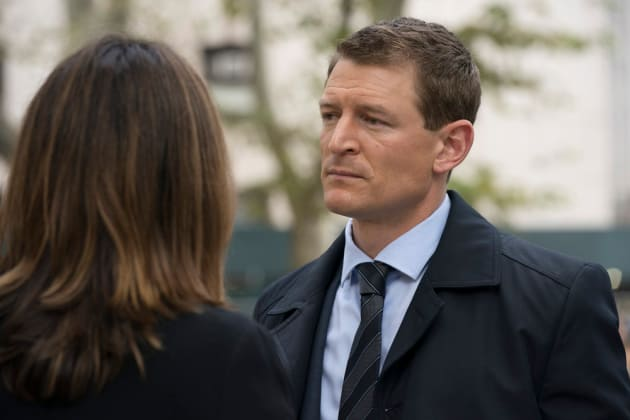Benson and Stone Talk Business  - Law & Order: SVU Season 20 Episode 8
