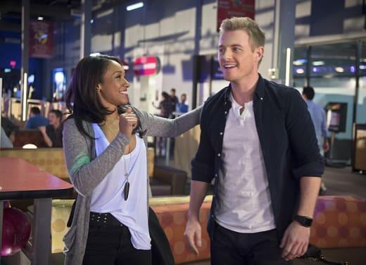 A Light Touch - The Flash Season 1 Episode 15