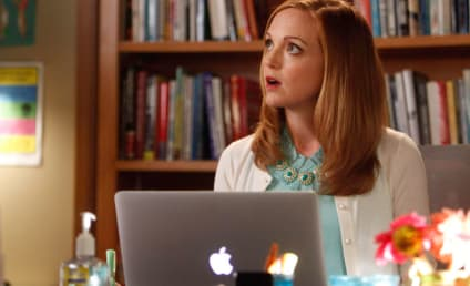 Jayma Mays Cast Opposite Will Arnett in The Millers