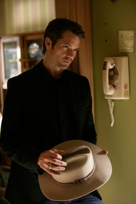 Raylan Givens By The Phone