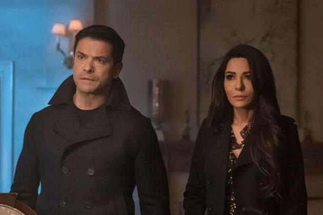 Black Trenchcoats - Riverdale Season 2 Episode 19