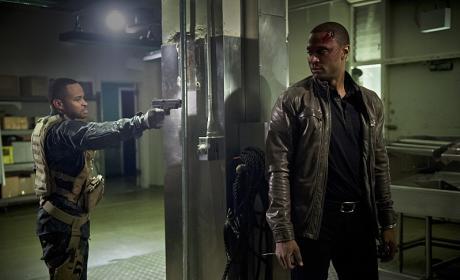 Standoff - Arrow Season 4 Episode 20