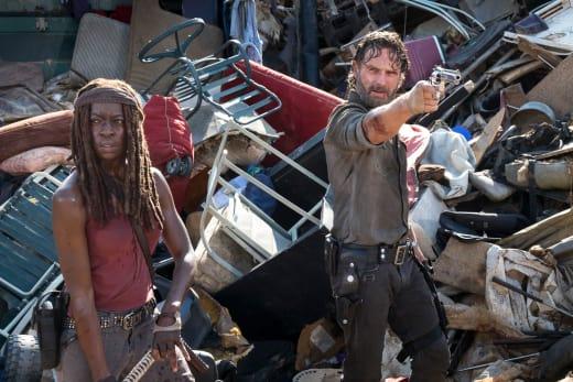 Back To The Dump - The Walking Dead Season 8 Episode 10