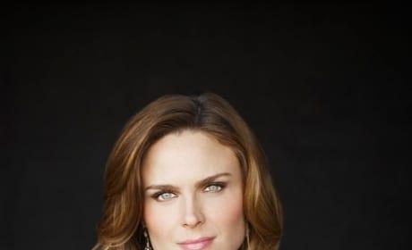 Emily Deschanel Promo Pic