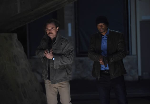 On the Hunt - Lethal Weapon Season 1 Episode 16