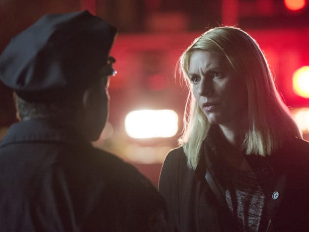 Carrie Talks to the Police Chief - Homeland