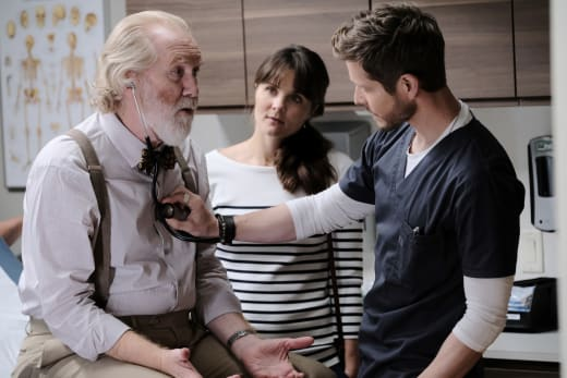 Sick Santa? - The Resident Season 2 Episode 9