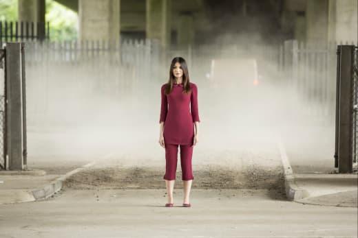Mia is in Danger - Humans Season 2 Episode 5