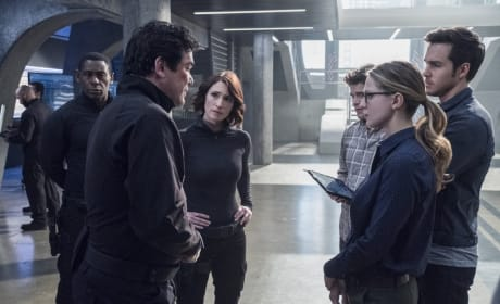 Strategy Session - Supergirl Season 2 Episode 14