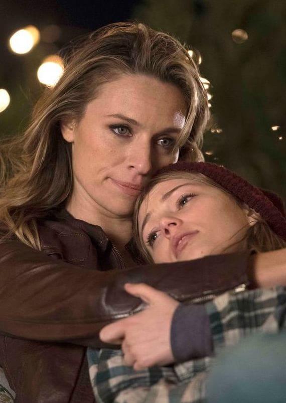 Mother & Daughter - The Village Season 1 Episode 1