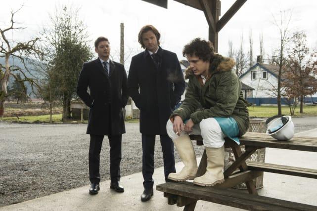 Just a few questions - Supernatural Season 12 Episode 18