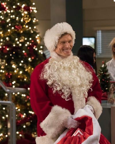 Santa Link - Grey's Anatomy Season 15 Episode 12