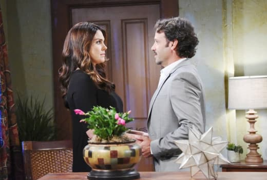 Mateo Threatens Chloe - Days of Our Lives