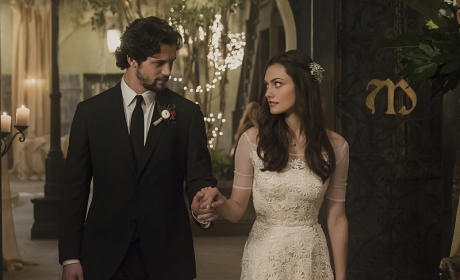 Here Comes the Bride and Groom - The Originals Season 2 Episode 14