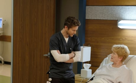 Keeping it Pushing - The Resident Season 1 Episode 10