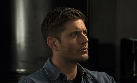 Dean stares out into the distance - Supernatural Season 12 Episode 3