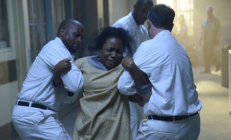 Mama Mills Dragged Away - Sleepy Hollow Season 2 Episode 9