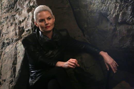 Dark Swan Alert! - Once Upon a Time Season 5 Episode 3