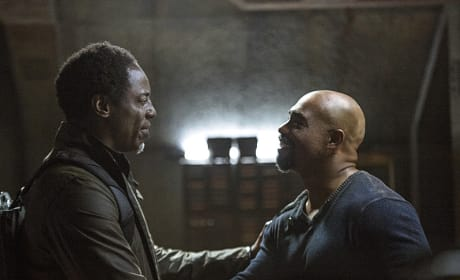 Jaha and Pike Greet One Another - The 100 Season 3 Episode 5