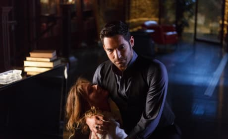 Uh Oh - Lucifer Season 2 Episode 1