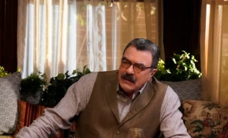(TALL) Head of the Table - Blue Bloods Season 10 Episode 1