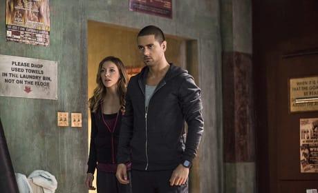 Discovering the Body - Arrow Season 3 Episode 6