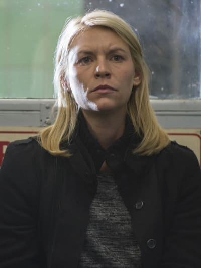 Carrie Looks for Quinn at Police Station - Homeland Season 6 Episode 6