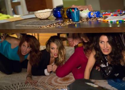 Watch Girlfriends' Guide to Divorce Season 1 Episode 10 Online