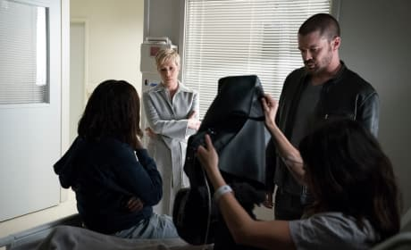 Checking Things Out - How to Get Away with Murder Season 4 Episode 9