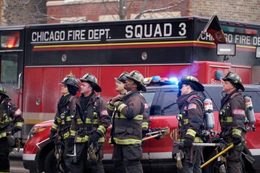 Apartment Complex Fire - Chicago Fire