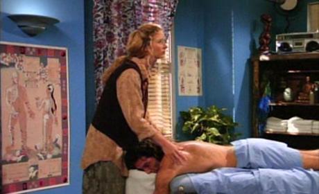 Phoebe Massages Paulo
