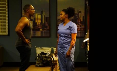 Badass Residents - Grey's Anatomy Season 13 Episode 22
