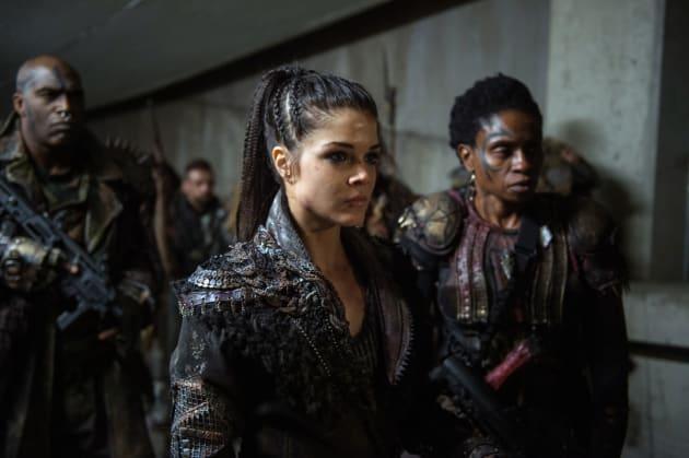 Octavia and Indra — The 100 Season 4 Episode 12