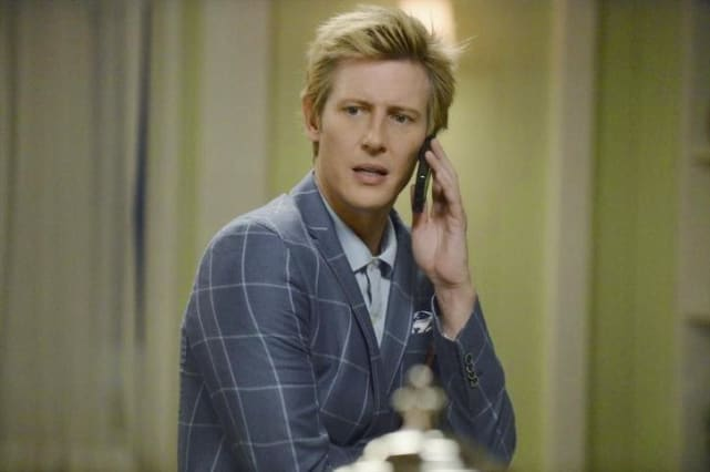 Nolan on the Phone - Revenge Season 4 Episode 6