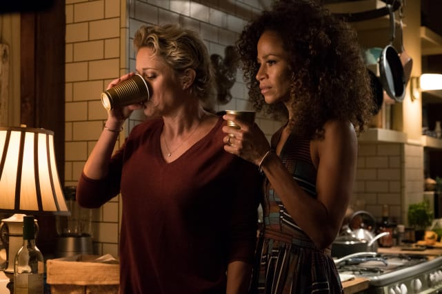 Moms, Coffee, and Contemplation - The Fosters Season 5 Episode 8