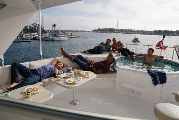 Resting At Sea - Grey's Anatomy Season 14 Episode 6